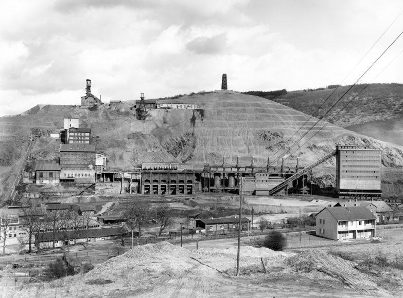 <h1>Bernd &#038; Hilla Becher: Coal Mines. Steel Mills.</h1>